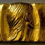 Echo-51x23-Bas-relief-Multimateriau-Feuilles-d'or